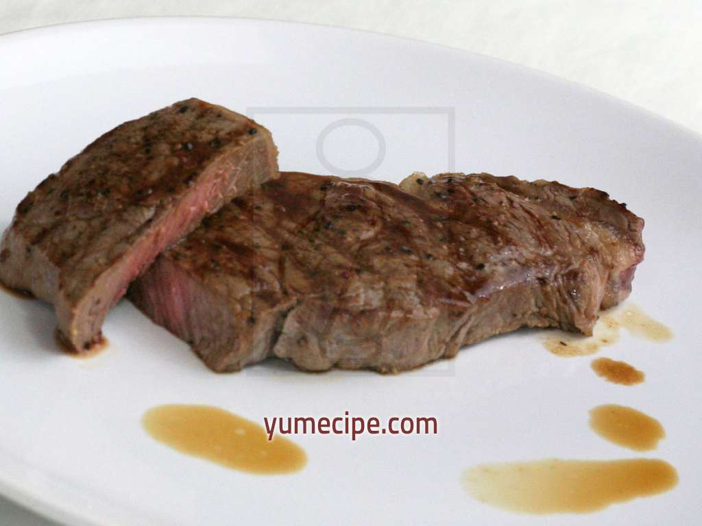 how to cook sirloin strip steak on grill pan